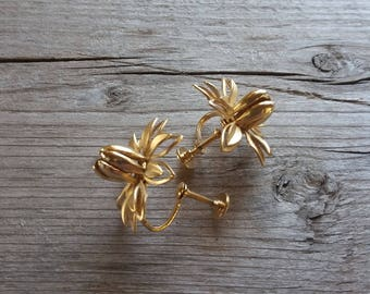 Vintage Gold Flower Earrings-Vintage Statement Gold Flower Earrings-Gold Tulip Earrings-Gold Daisy-Large Gold Flower Earrings-Free Shipping