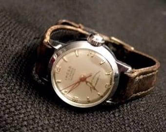 Petite IPOSA 17 Jewel Watch