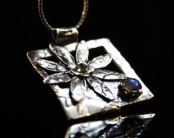 Clearance (60%) fine silver square flower pendant with labradorite cabochon and green natural peridot pendant