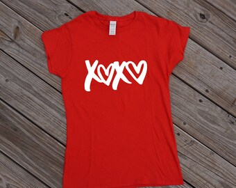 XOXO TShirt V-Neck, Valentines Shirt, Holiday Shirt, Valentines Day Shirt, Love Shirt, XOXO T Shirt, xoxo shirt, Valentines Shirt Women