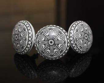 Gray Mandala ceramic knob Handpainted poignées de meubles Cabinet Möbelknopf Dresser pomelli drawers Boutons -Price is of 1 knob (OHK0124)
