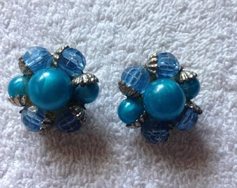 Vintage 1950's Blue Clip Earrings