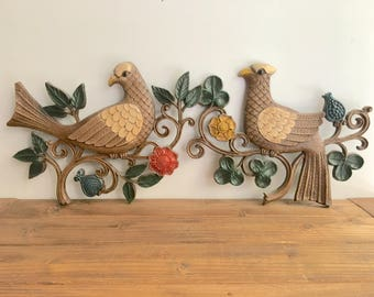 Vintage Syroco Birds / Pair of Wall Hanging Birds / Mid Century Modern Wall Art/ Painted Plastic / Home Decor