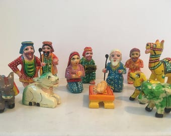 Hand carved and coloured wooden 14 piece nativity set from India