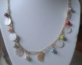Necklace white pastilles and multicolored beads