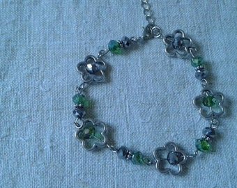 Silver Flower bracelet and faceted bead