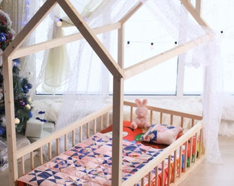 CRIB SIZE, house bed, tent bed, wooden house, wood house, wood nursery, teepee bed, wood house bed, wood bed frame, kids bedroom