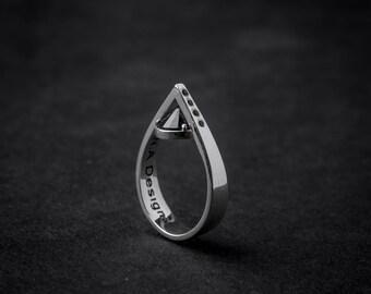 Kim Ring | tear drop ring | geometric ring | classy silver ring | silver drop | point ring | modern ring | handmade ring | sterling silver