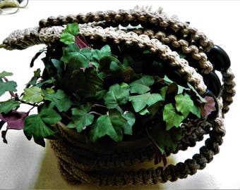Pottery Macrame Plant Hanger/Would you like to customize this Plant Hanger(Color/Size)? If so, push the contact button.