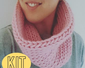 DIY Snood Knitting Kit / Beginners Knit Kit / Smooth Snood Knit Kit / Snood Super Chunky Knit /Gorgeous Small Snood Knitting Pattern and kit