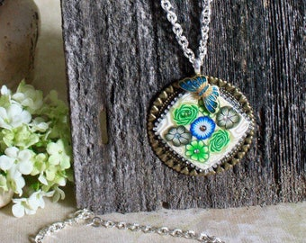 Flower Pendant Necklace with Butterfly