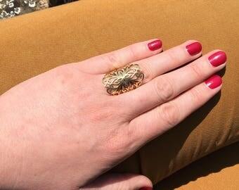 Adjustable ring golden filigree oriental style arabesque pattern