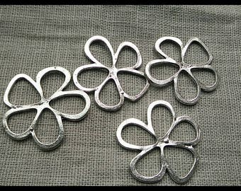 set of 4 charms, 33 mm silver metal flower