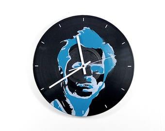 Wall Clock: Jack N.  Quartz is not ticking! Wall clock quartz clock does not tick!