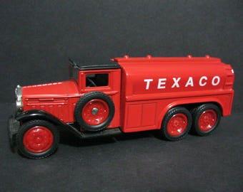 Vintage Texaco Diecast , 1930 Diamond Texaco Tanker Truck Replica, Ertl Diecast