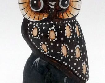 Nice wooden OWL carved and painted decorative ethnic Bali crafts