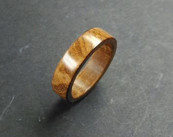 Acacia wood ring with - Size 18.10 mm (USA 8)