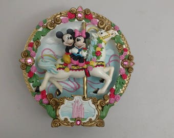 Disney Mickey and Minnie Mouse vintage  collector carousel musical plate rare