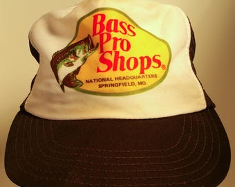 70s Bass Pro Shops Logo Graphic Mesh Snapback Trucker Hat Headquarters Missouri Hunting Fishing Camping Outdoors 1970s Retro USA America