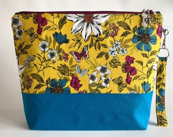 Olenna's Garden - Medium sized project bag for Knitting/Crochet