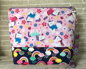 Ewe: Somewhere Over The Rainbow - Medium sized project bag for Knitting/Crochet