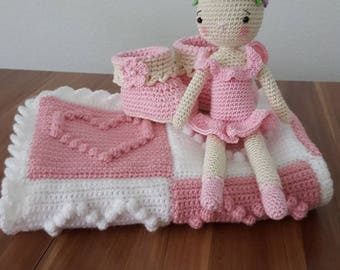 crocheted baby welcome set blanket bunny booties gehäkelt baby set deckel hase Schuhe