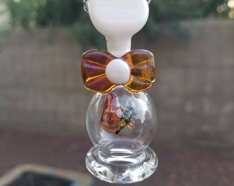 Glass bee pendant with bow