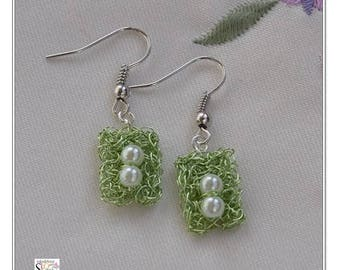 Wire Earrings / Crochet Earrings / Wire Jewelry / Green Earrings / Dangle Earrings / Fashion Earrings / Beaded Jewelry / Prom Jewelry / Gift