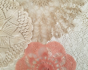 Set of 6 vintage doilies and table runners. Instant collection, vintage home decor