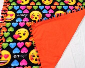 Emoji Party Blanket - Girls Emoji Blanket - Emoji Twin Size - Girls Emoji Bedding - Emoji Decor - Emoji Gift - Emoji Fleece Blanket - Emoji