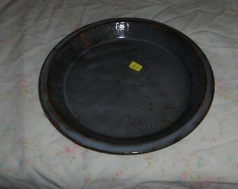 "gray 10"" graniteware pie plate"