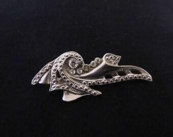 Vintage Art Deco Rhinestone Brooch / Pendant in Silver Tone