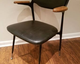 Mid Century Modern Shelby Williams Gazelle arm chair