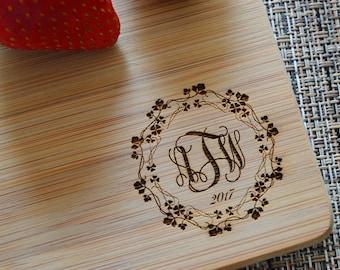 Personalized Cutting Board, Monogram Cutting Board, Wedding Gift, Anniversary Gift, Housewarming Gift, Custom Cutting Board. CB 122