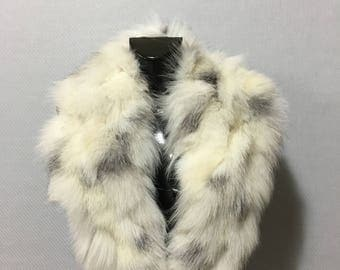Natural White With Black Dots Color Fox Fur Collar