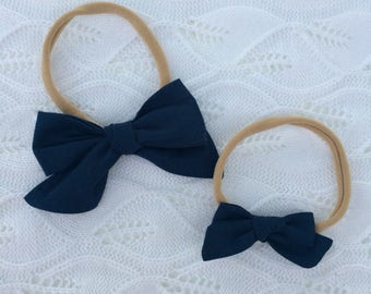 Navy - Old-fashioned hand tied bow
