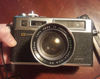 Original Functioning Yashica Electro 35 GSN Rangefinder with 45mm f1.7 Lens with Leather Case & Strap