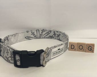 Dog/ Puppy collar with grey snowflakes - snow - winter - extra small, small, medium, large, extra large - FREE SHIPPING