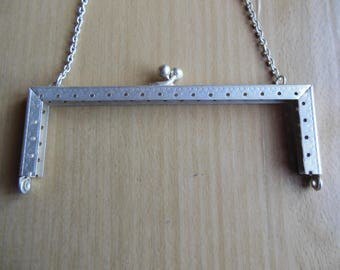 Bag in silver metal clasp