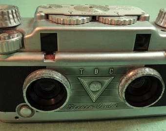 TDC Vivid 35MM Stereo Camera 3D Three Dimensional  Vintage Camera