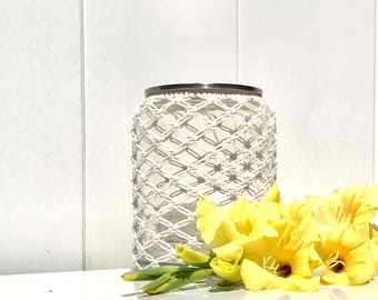 Glass jar, with lid