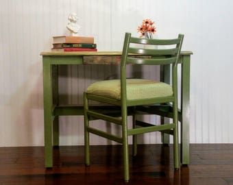 Green Accent Desk & Chair