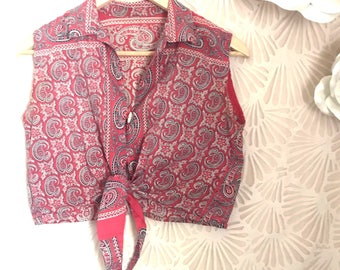 Vintage 1980s Size Small Sleeveless Paisley Tie Front Cropped Collared Shirt