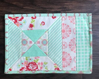 Quilted Mug Rug, mini placemat