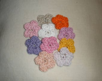 Set of 10 crochet flowers