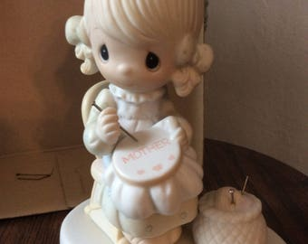 Vintage Enesco / 1979 Jonathan and David PRECIOUS MOMENTS COLLECTION / Mother Sew Dear / Figurine