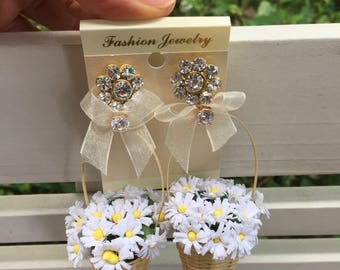 Daisy basket earring