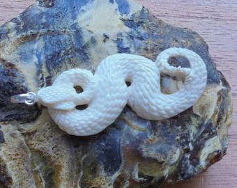 Hand Carved Snake Bone Pendant, Bali Bone Carving Jewelry P53