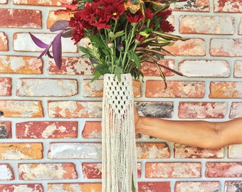 Macrame bridal bouquet wrap