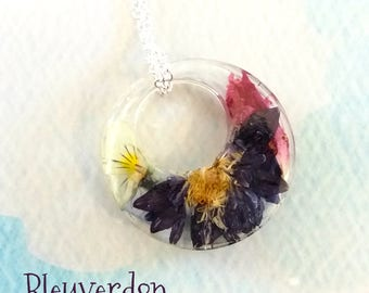 Resin with inclusion of flowers and 925 sterling silver chain necklace